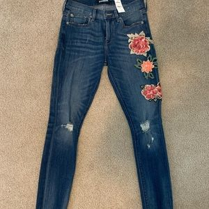 Beautiful Express Sequin Embroidered Skinny Jeans
